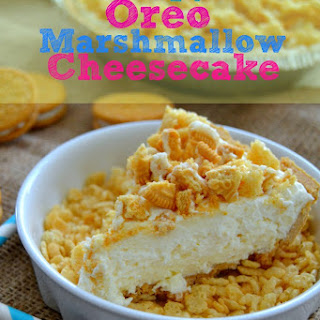 Rice Krispy Treat Oreo Marshmallow Cheesecake {No-Bake!}.
