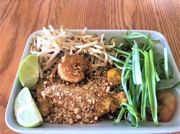 Garlic Butter Shrimp Pad Thai