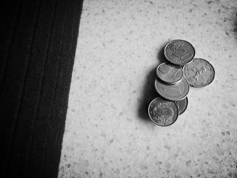 Money, get back! di MersaPhotography