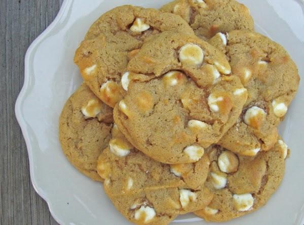 White Chocolate Pumpkin Spice Cookies Recipe