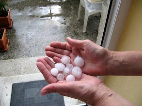 Photo: Gradobicie w Przemyślu - grad wielkości piłeczek do pingponga 2011-07-10