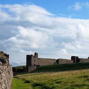 Dunstaburgh Castle by Andy Cain - Buildings & Architecture Decaying & Abandoned ( medieveal, history, northumberland, ruins, castle, english, decaying ruin )