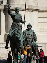 Photo: Estatua de es obvio quienes.  El mejor Sancho Panza que vi en mi vida.