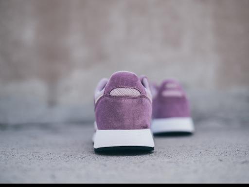 nettoyage-des-chaussures-en-daim-pressing-baleo-detachage-ecologique
