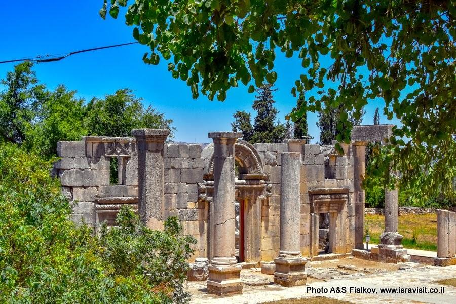 Древняя синагога. Национальный заповедник Барам. Экскурсия о Верхней Галилеи. Израиль.