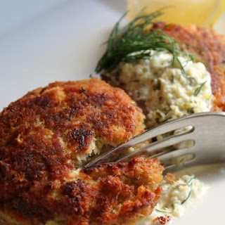 Ritz Cracker Salmon Cakes