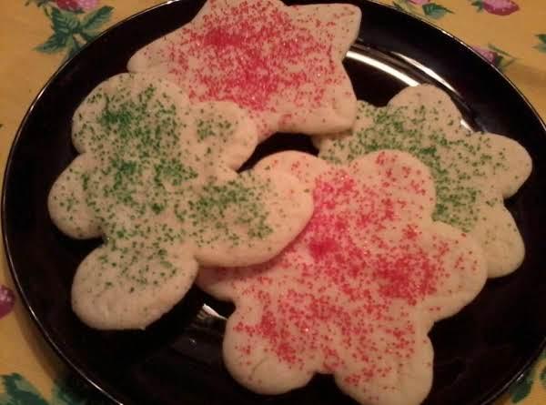 My Mom's Crispy Sugar Cookies Recipe