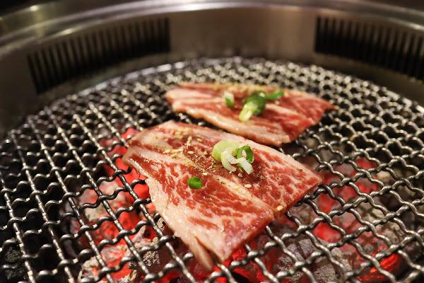 禧太炭火燒肉,東區燒肉推薦,單點燒肉,套餐組合,假日午間就可以吃燒肉,地點近華視,東區約會地點