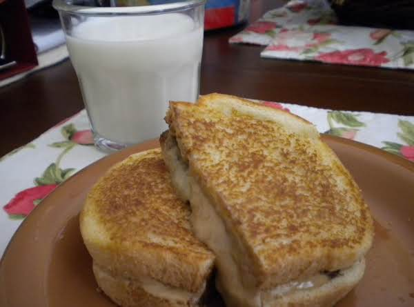 Mom's Grilled Pb & C Sandwich Recipe