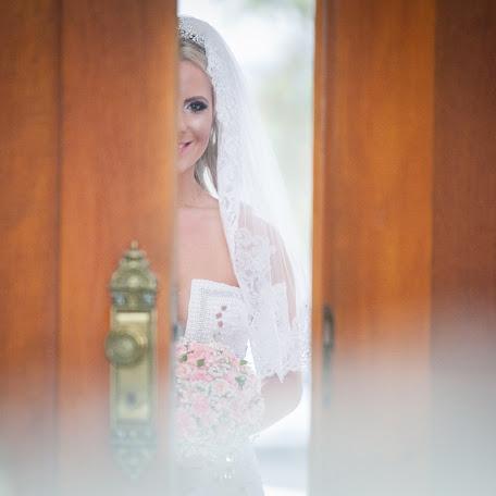 Wedding photographer Wagner Sassaki (wagnersassaki). Photo of 02.10.2015