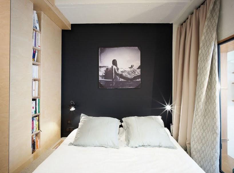 Este apartamento incluye una variedad de soluciones creativas para espacios pequeños