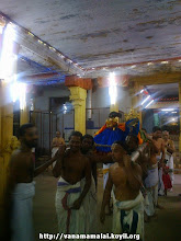 Photo: perumAL/thAyAr arriving at the maNdapam