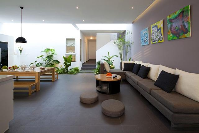 Dosis arquitectura: atractivo jardín interior en hogar moderno ...