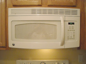 Photo: Range Hood and Microwave