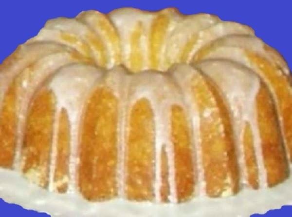 Muscat Canelli Wine Bundt Cake Recipe