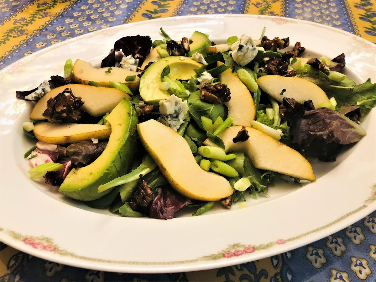 Baby Greens with Pears & Roquefort