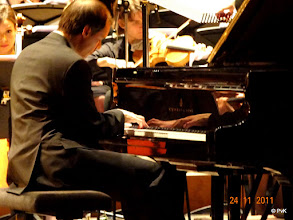 Photo: Stefan Petrovic in actie tijdens  het 1e Pianoconcert