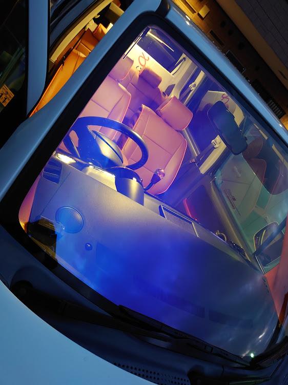 ワゴンR MH21Sの秋の交通安全週間,シートカバー取付,ベレッツァ シートカバー,ココア×オレンジ,ワゴンRmh21sに関するカスタム&メンテナンスの投稿画像3枚目