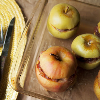 Cardamom Baked Stuffed Apples