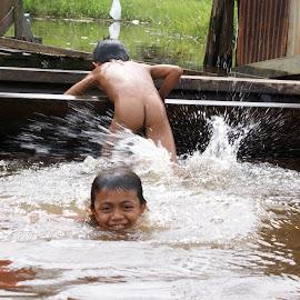 Take a Bath by Mulawardi Sutanto - Babies & Children Children Candids ( sambas, kalimantan, children, playing, river, travel )