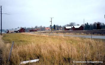 Photo: Vasselhyttan sedd från riksväg 50