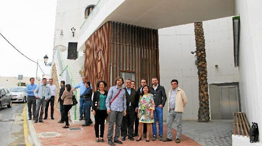 Un ascensor, la ampliación del paseo marítimo y otras obras ponen a Mojácar mirando al futuro