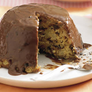 Spicy English Steamed Pudding with Chocolate Sauce.
