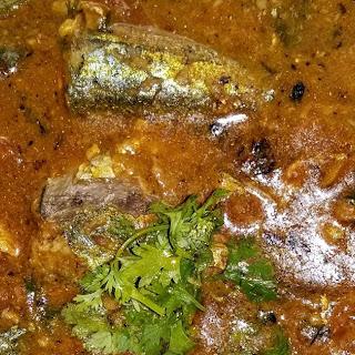 Mackerel (Bangda) Fish Curry.