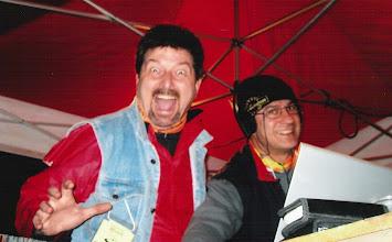 Photo: AMOTOnamiento 2007. Amatorix haciendo de DJ junto a un tiparraco espantao. by Bea.