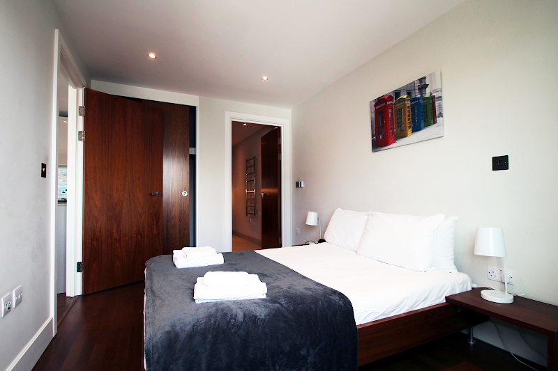 Luxury bedroom at Aldgate East - Commercial Street
