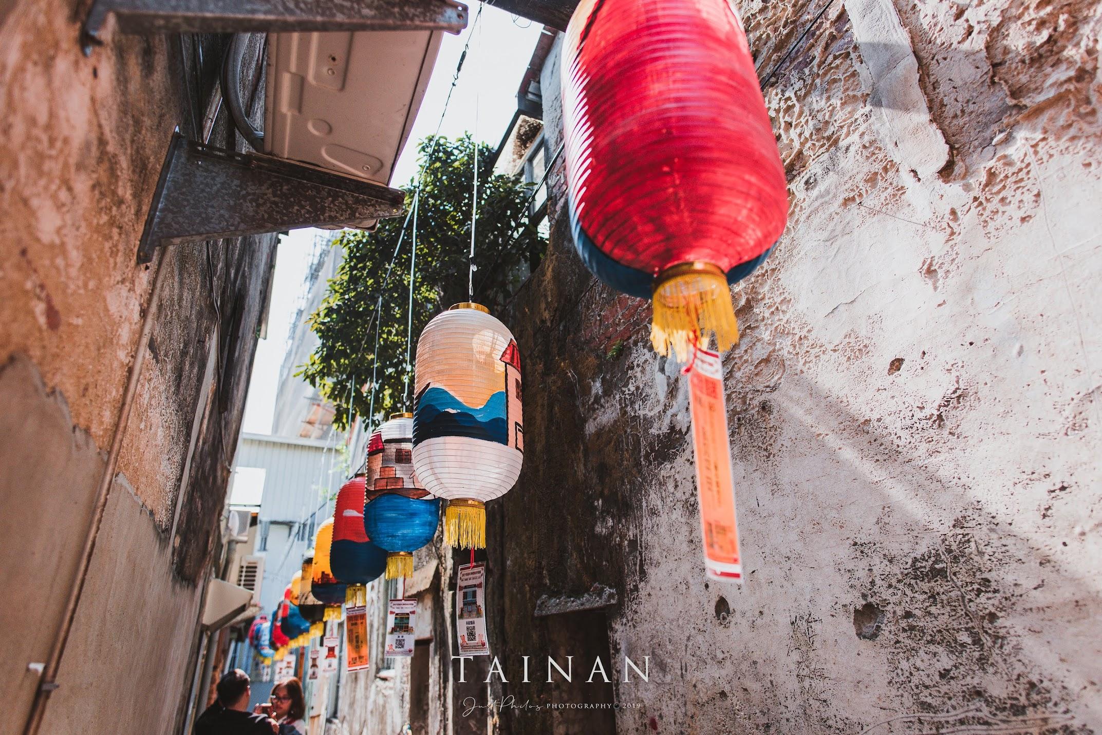 春節期間的神農街可以看到各種元宵燈籠的擺設。