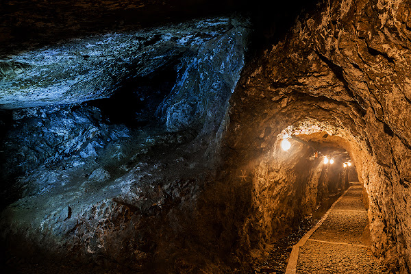 Lucia calde e fredde in miniera di LucaMonego