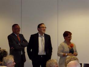 Photo: Tijdens de Toespraak die Jan Spruit gaf mocht de wethouder en zijn assistent meegenieten.
