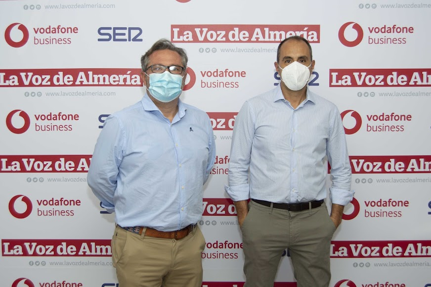 Dario Royo, gerente de Conecta Pymes; y José Antonio Platero, comercial de Conecta Pymes.