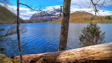 Photo: Fossedalsvatnet og Heileberget