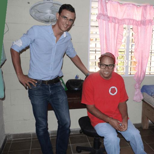 Cyril - Castel - court - pour - les -personnes - avec - un - handicap - mental - de - L'Arche