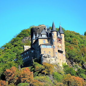 The close up on a castle Katz by Svetlana Saenkova - Buildings & Architecture Public & Historical ( blue sky, castle, green hill, germany, travel, summer,  )