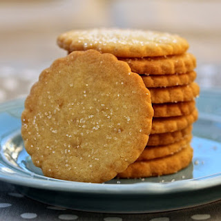 Buttery Ginger Shortbread Cookies