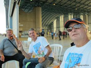 Photo: bien 4 !... après l'éffort le réconfort (avec modération) ! A bientôt pour de nouveaux meetings. Les Moustiquaires du BAC Henri, Franckie, Christian et Patrick.