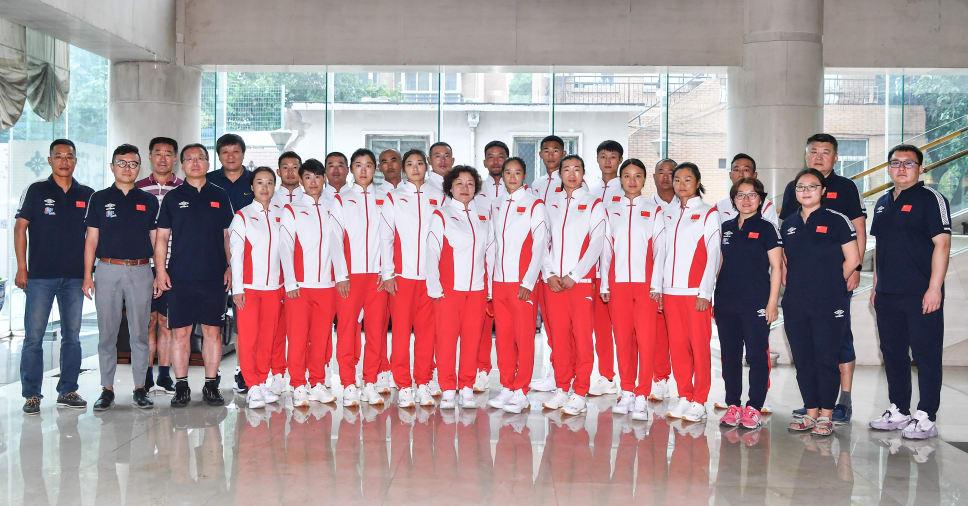 中国帆船帆板队出征前的大合照