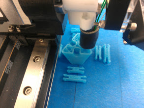 Photo: First apparentlysuccessfulKISSlicer print. The infill speed is too high, and it had to be done at onetemperaturebecause changing is causing a pause-in-place and glob behavior, but it actually looks good.