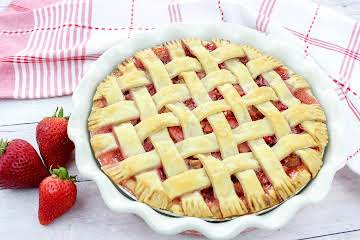 Award-Winning Strawberry Rhubarb Pie