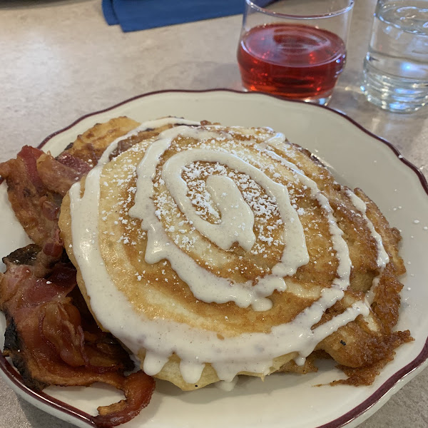 Cinnamon roll pancakes with bacon