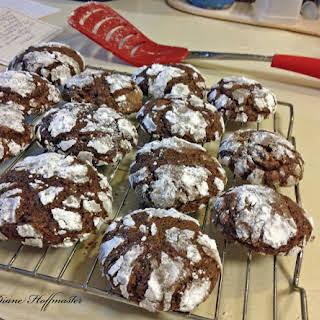 Chocolate Crinkle Christmas Cookie.