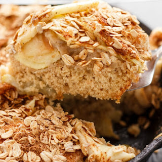 Skillet Apple Cake with Cinnamon Oat Topping.