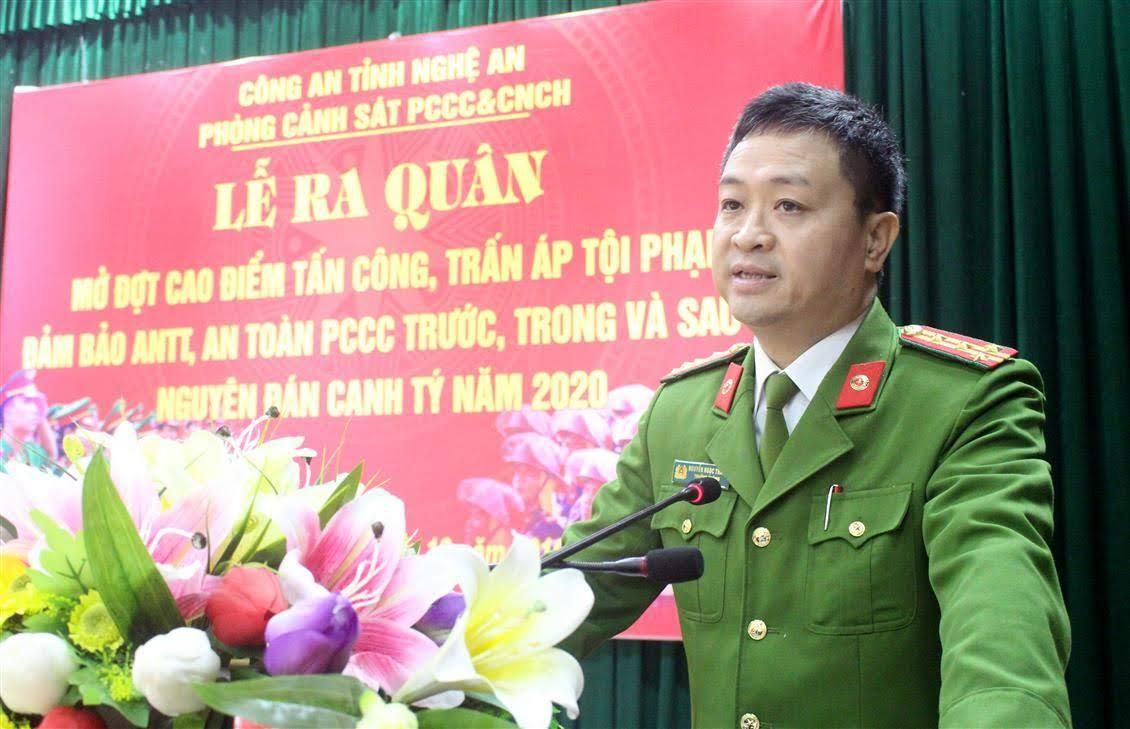 (1.Đại tá Nguyễn Ngọc Thanh – Trưởng phòng Cảnh sát PCCC&CNCH phát biểu tại Lễ Phát động