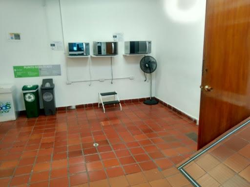 Edificios en Arriendo - Bogota, La Soledad 642-3973