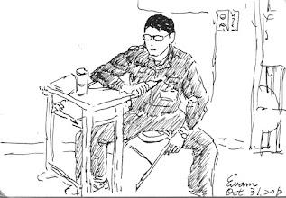 Photo: 執勤2010.10.31鋼筆 長久在昏暗的勤區盯著監視器螢幕,不近視也難,平時沒事時,這是個枯燥乏味至極的工作,有事來時,忙都忙不完,還可能是生命交關,充滿暴力的陣仗。 可別因監獄的制服帥就想進來幹這行,這制服…又不能穿出去把妹…