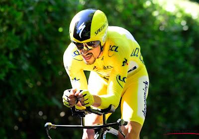 Thomas De Gendt mee op het podium, maar fenomenale Julian Alaphilippe steviger in het geel na tijdritwinst in Pau