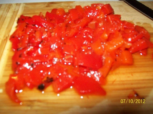 Chop the roasted red pepper and add to the juice.